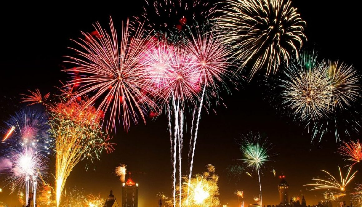 fireworks-1953253_1920 (1)